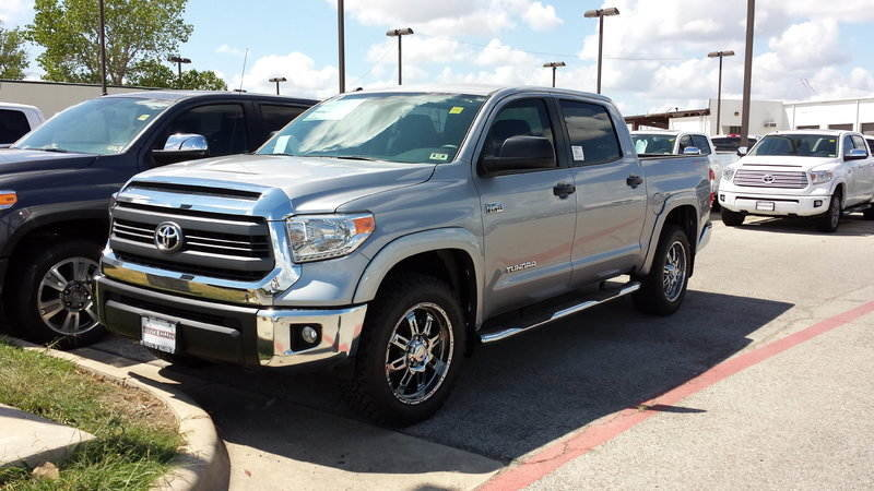 2014 Toyota Tundra CrewMax Subwoofer Box