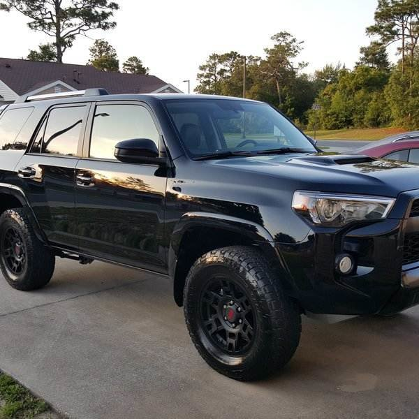 does the 2015 4 runner have a 3rd row autos post. Black Bedroom Furniture Sets. Home Design Ideas