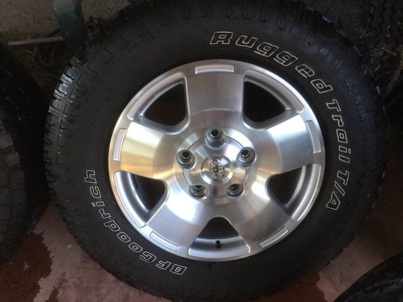 Sold Toyota Tundra Trd Aluminum Wheels Toyota